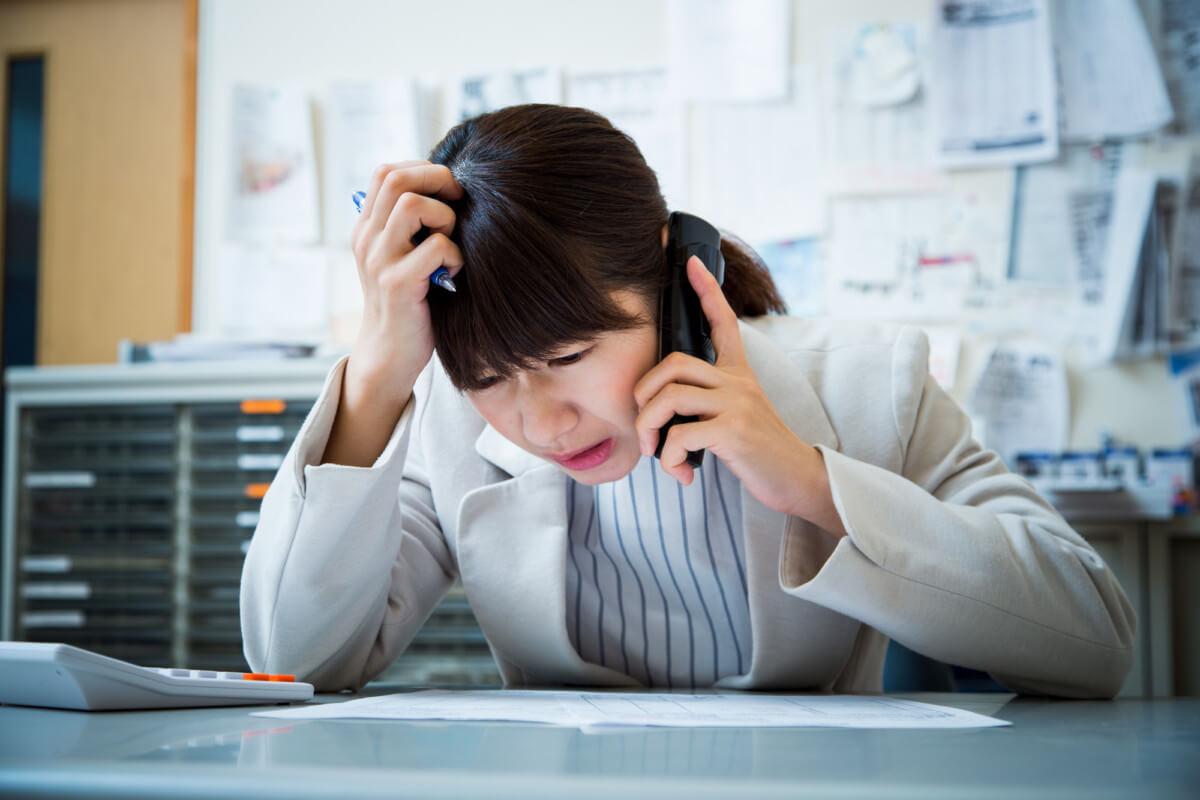 [仕事で怒られてばかりの20代が取るべき方法]人間関係やミスが多くて辛い・吐き気が出て消えたいと思う人は必見